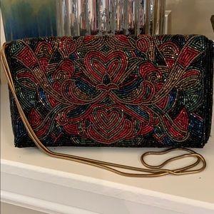 Handbags - 🔥Beautiful Beaded clutch w/ chain strap